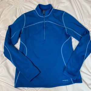Patagonia 1/2 zip fleece lined base layer size L